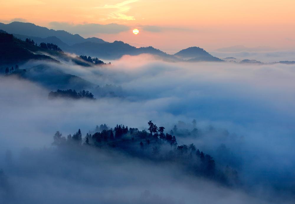 日出  云海
